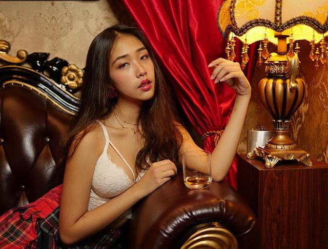 【有片】新加坡小模《Nasha Quek》遭前男友流出性愛片!自稱「婊子」騷得好自豪!