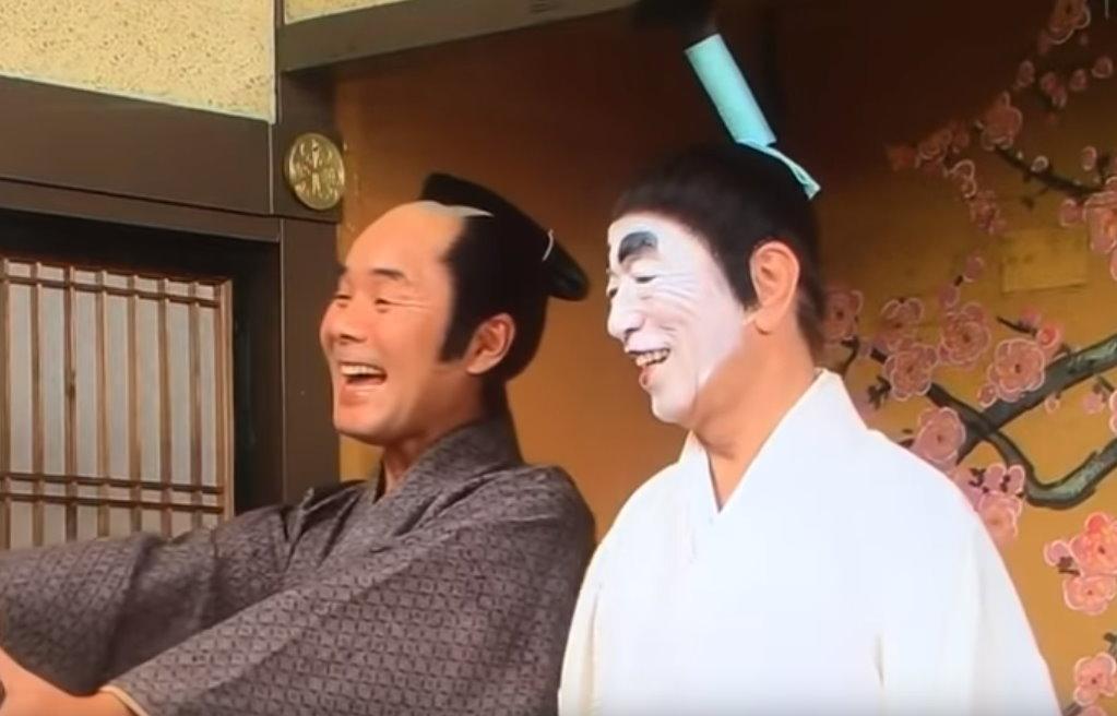 【影片】綜藝節目《志村健的笨蛋殿下》16隻奶相貼「人肉棉被」播出遭砲轟!