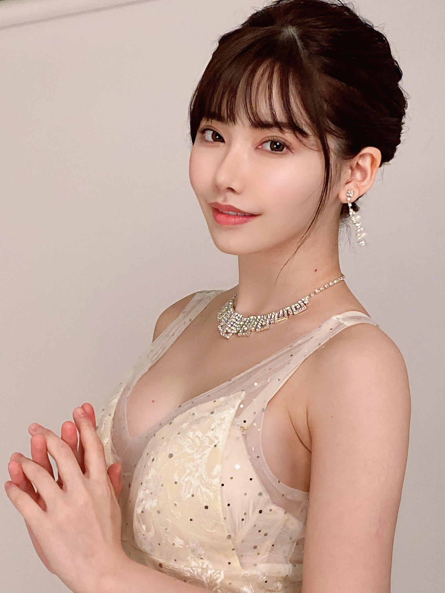 AV女優《深田詠美》美照PO「你想要什麼」引爆網友87許願潮!