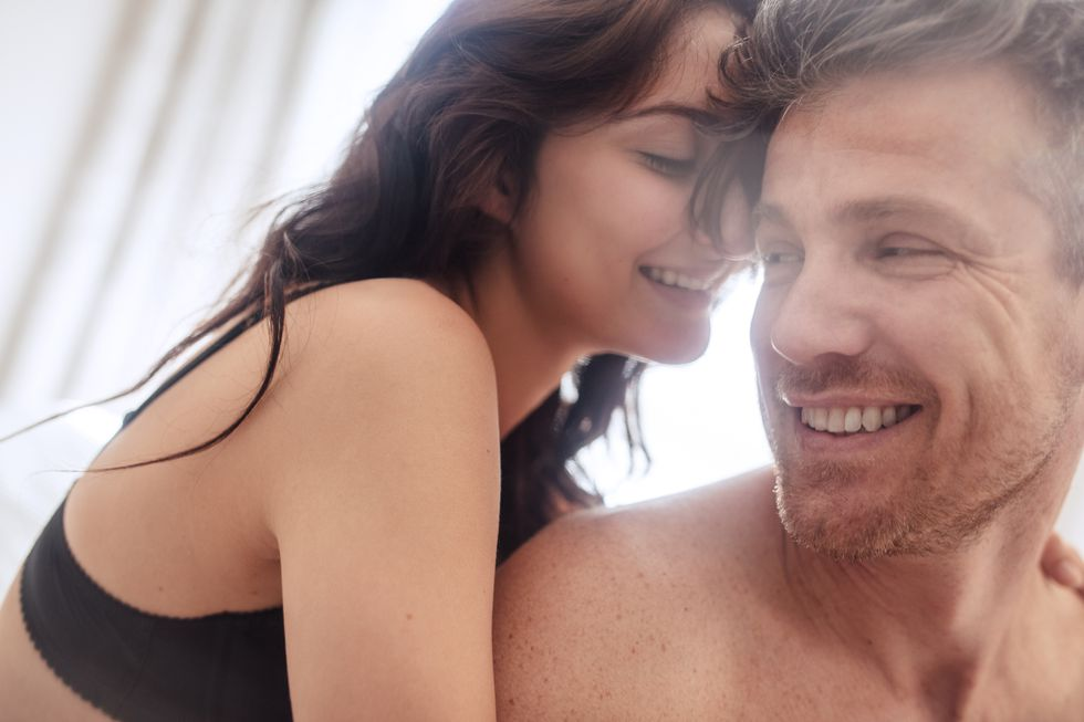 一碰就開機!男性網友票選《最讓人性慾炸裂的4大敏感部位》!