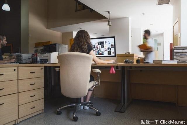 辦公室最佳紓壓神器《捏爆你的蛋蛋》認真的上班族你惹不起...