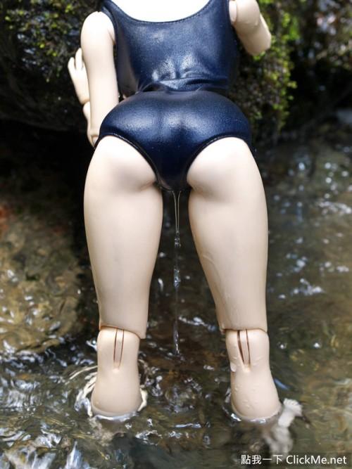 網友的變態發現!沿著「死庫水」從股間滑落的《感謝之水》!