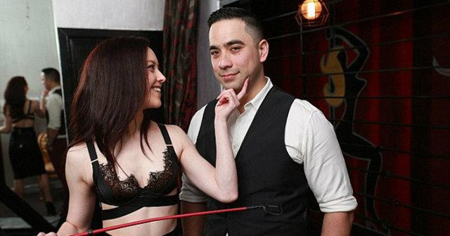 想要SM或多P嗎?縱慾夫妻開設「性愛俱樂部」拯救失和男女挑戰性底線!