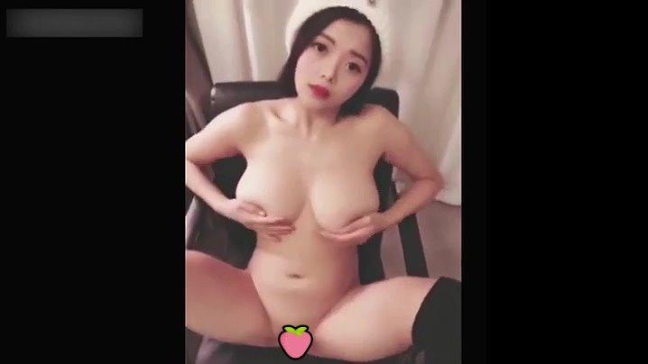 【影片】混血巨乳嫩模《林美惠子》性愛私拍流出!小母狗「乳夾奶油棒」眼神迷濛濕舔!