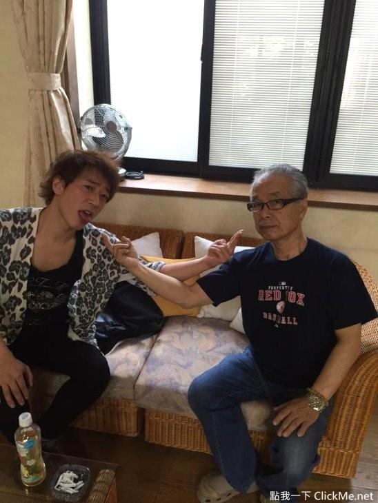 人體榨精機《澤井亮》一個月要做60次才能滿足的巨根男優!