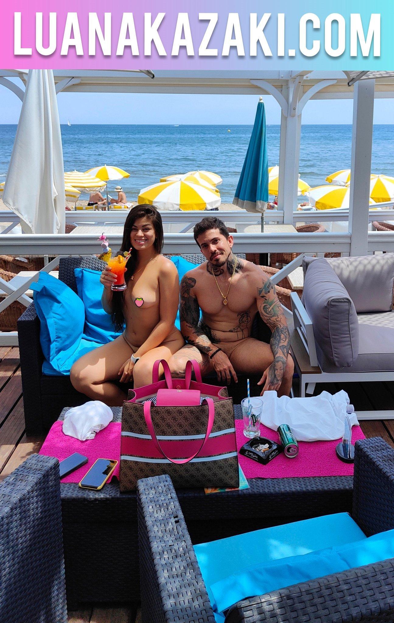 【上車】新婚夫妻《Luana Kazaki》世界最自由「裸體城市」度蜜月!疫情下全裸爽拍片!