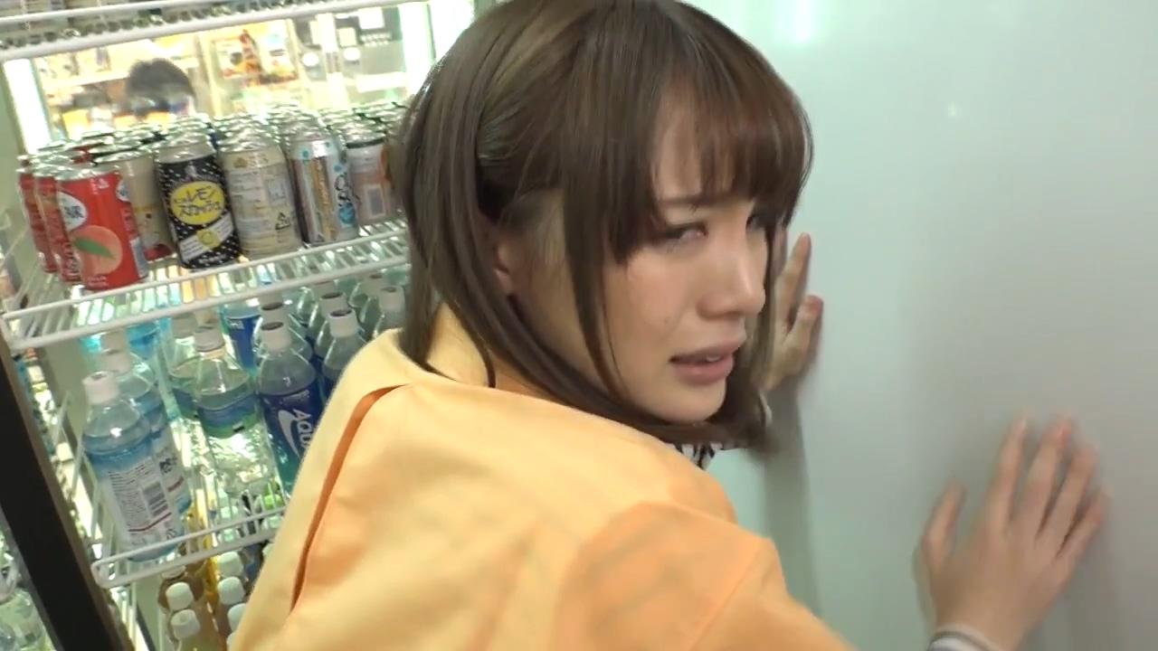 【有片】《鈴村愛里》無碼流出便利商店篇!原來是補貨啊還以為在啪啪啪呢!