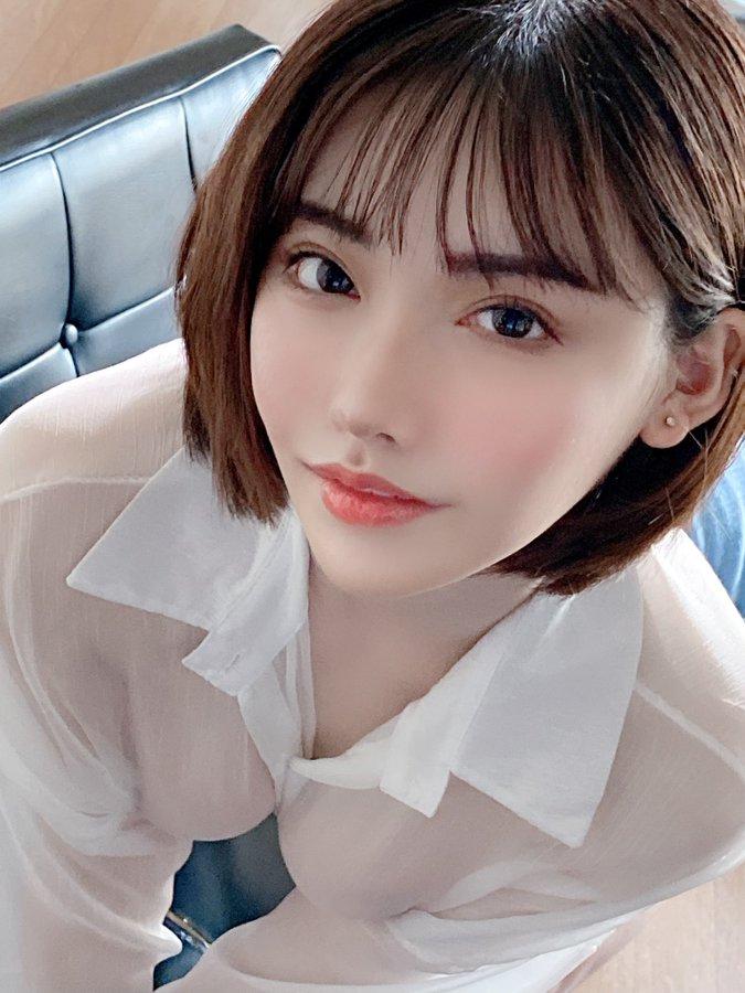 AV女優《深田詠美》化身性感教師「什麼都可以教」推文走歪成學術交流平台!