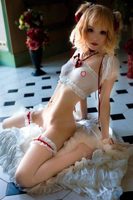 俄羅斯工口Coser《Rocksy Light》,童屬性貧乳配上粉色奶頭真是下體硬硬的!