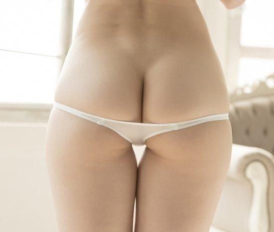 日本流行《超低腰1cm胖次》,低到美尻和小駱駝體都在露在外面啦!