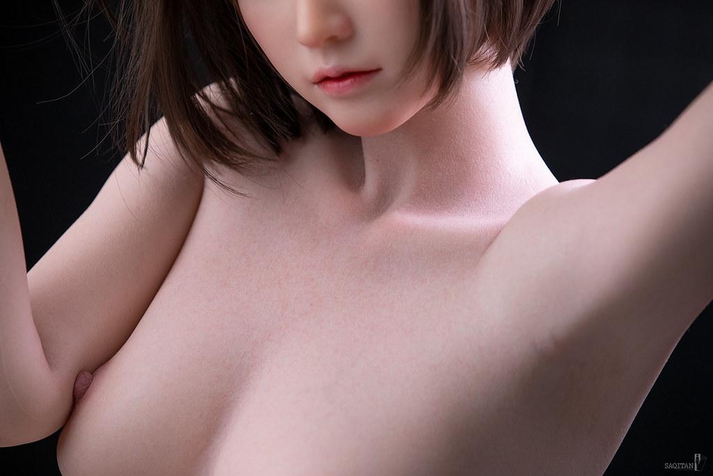 如膠似妻?日本攝影師《情趣娃娃寫真集》比真人還好隨意擺布!