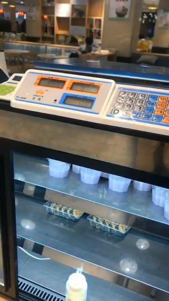 【影片】揚州職業大學「學生餐廳8秒吞吐片」瘋傳!網友加碼爆料還有四腳獸!