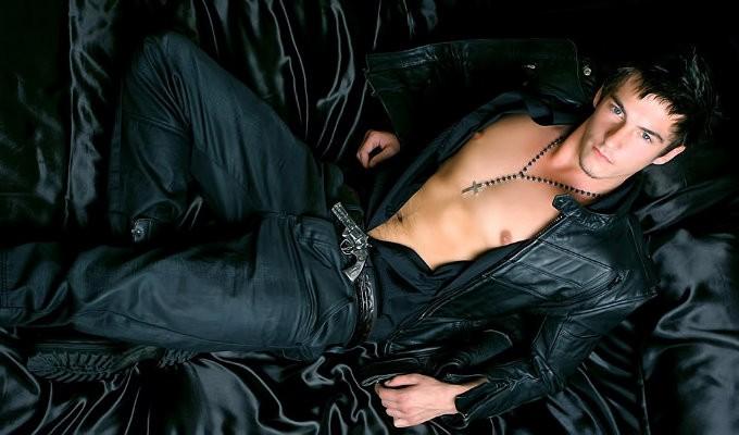 小鮮肉肌肉男模《Liam Joshua》,自摸影片看得你口水直流!(有片)