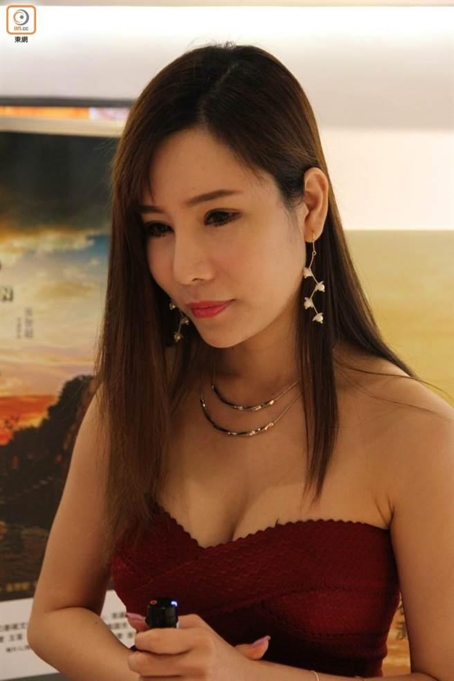 【有片】曾流出6分鐘淫片,香港露暈女模《艾美琦》赴日拍AV輪戰6男?