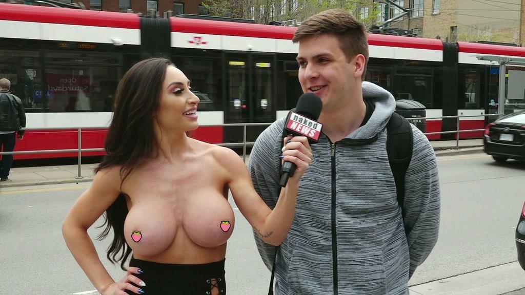 【影片】解放上空權!《裸體新聞》女主播脫光光「全裸街訪」沒在怕!