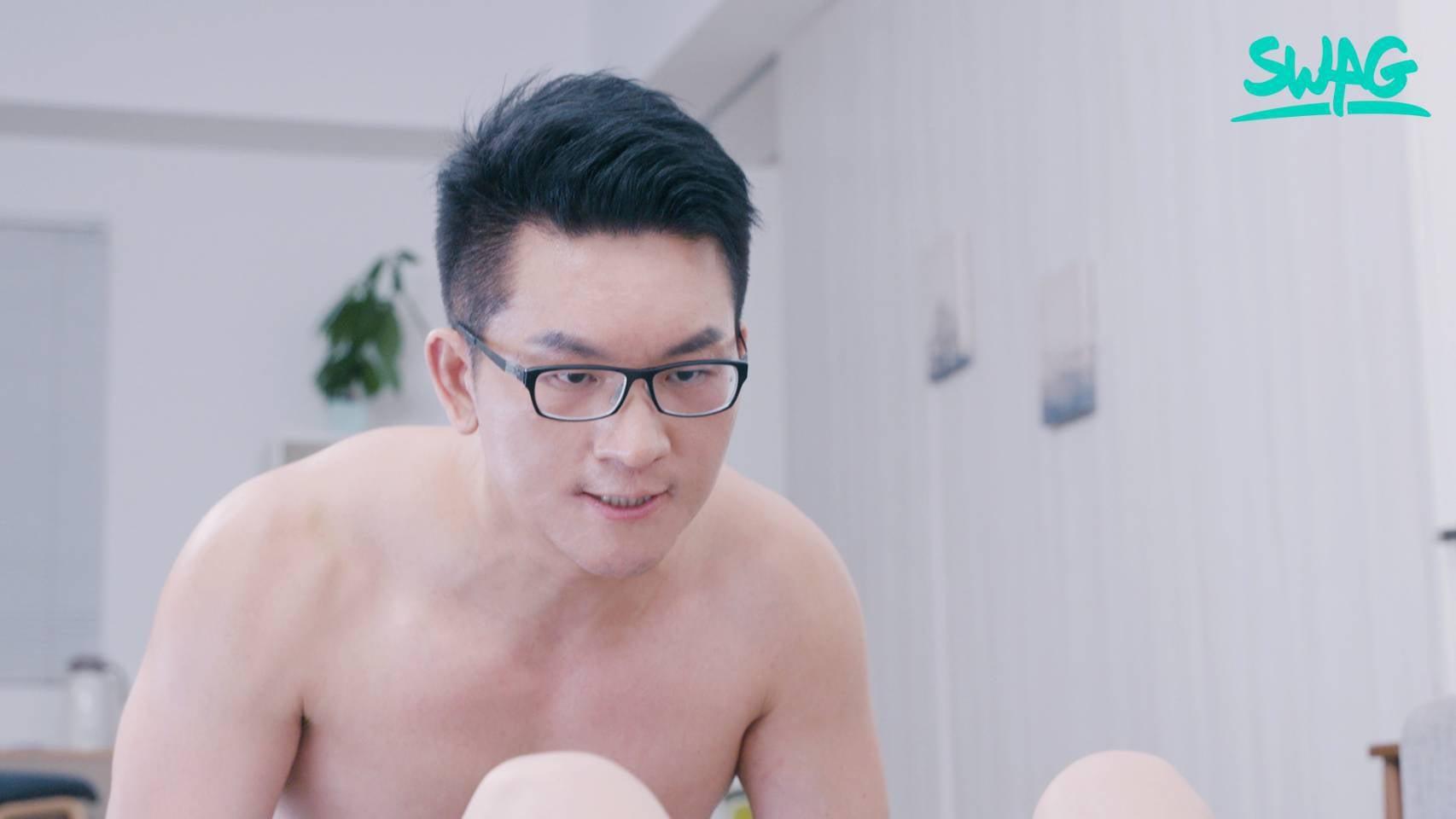 SWAG《童仲彥》首部AV劇照曝光!全程親自演出「絕對露點」!