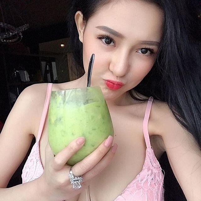 【影片】越南H奶網紅娜娜《Ngân 98》手機失竊流出,拒付贖金貼「吃蕉片」霸氣反擊!