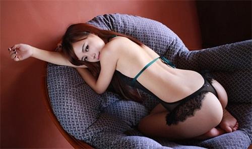 美女想知道情趣內衣怎麼穿才顯得性感,有魅力?